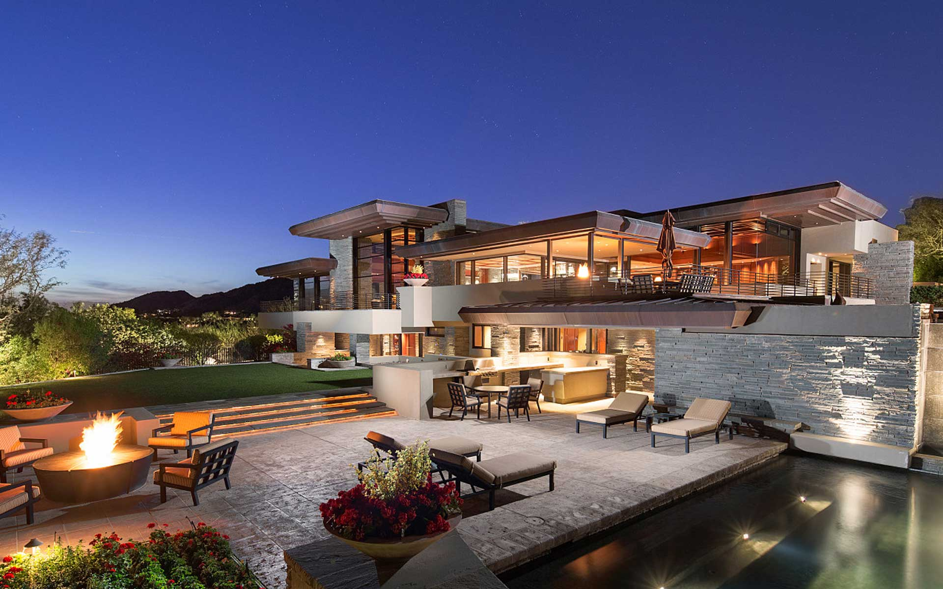 Elegant Contemporary Magnificent Views Paradise Valley